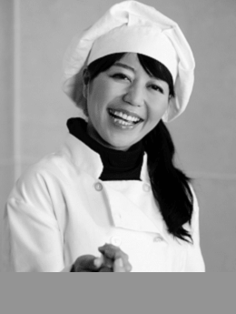girl-chef-smiling-bw.png